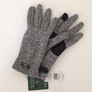 L.L. Bean Accessories - Women's LL Bean sweater fleece gloves